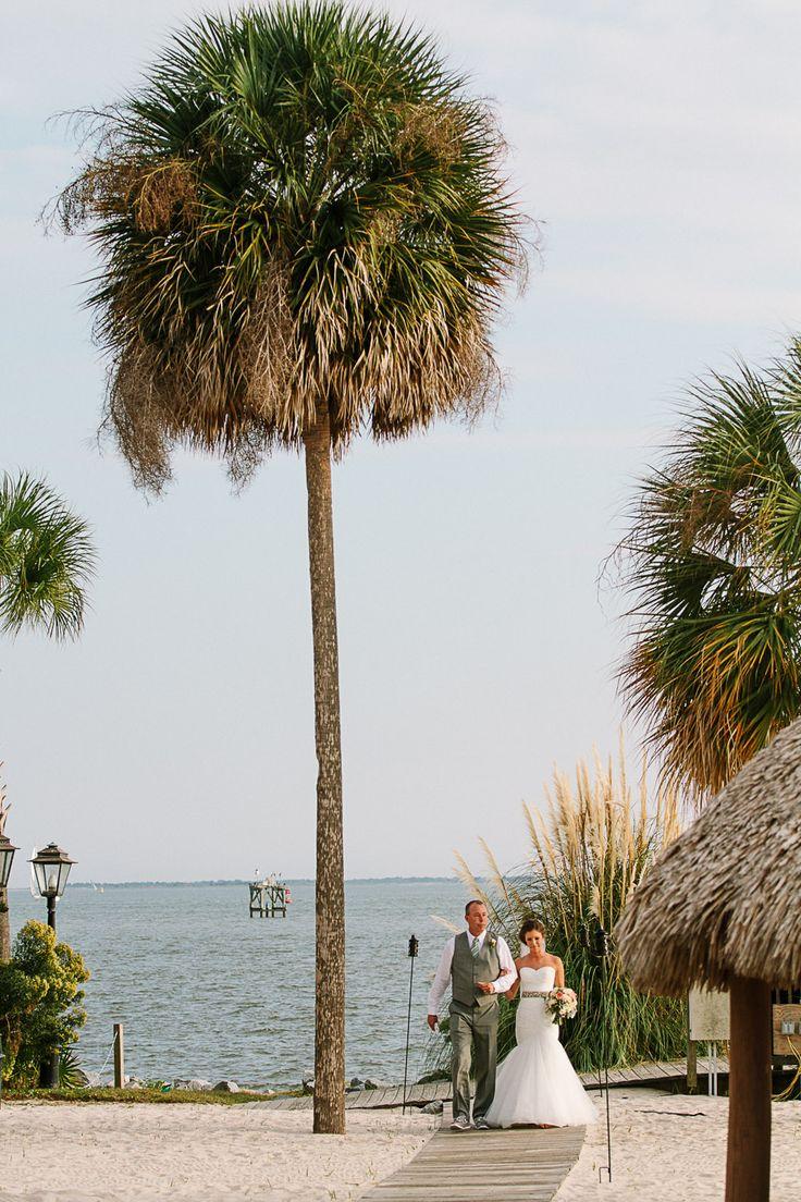 Charleston Harbor Resort Wedding In Mt Pleasant South Carolina Photography By Lindseyamiller