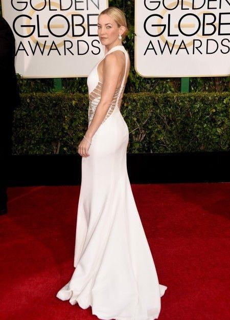 Kate Hudson in an all white ensemble - Golden Globes 2015