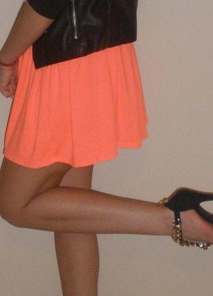 Kup mój przedmiot na #vintedpl http://www.vinted.pl/damska-odziez/spodnice/11278238-hit-spodniczka-mini-neonowa-rozkloszowana