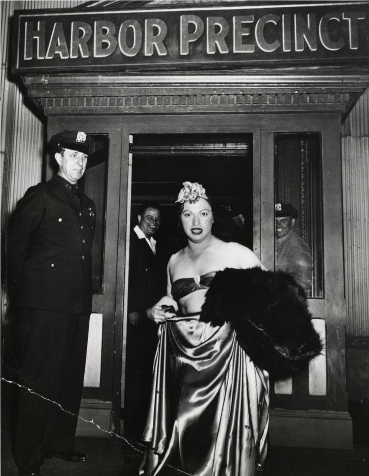 Weegee, Man arrested for cross-dressing, New York, ca. 1939.: Newyork Fur, 1939 Vintage, Crosses Dresses 1939, Man Arrested, Photography Icp, Vintage Photo Crossdresser, Dresses Man, Vintage Crossdresser, Cops Arrested