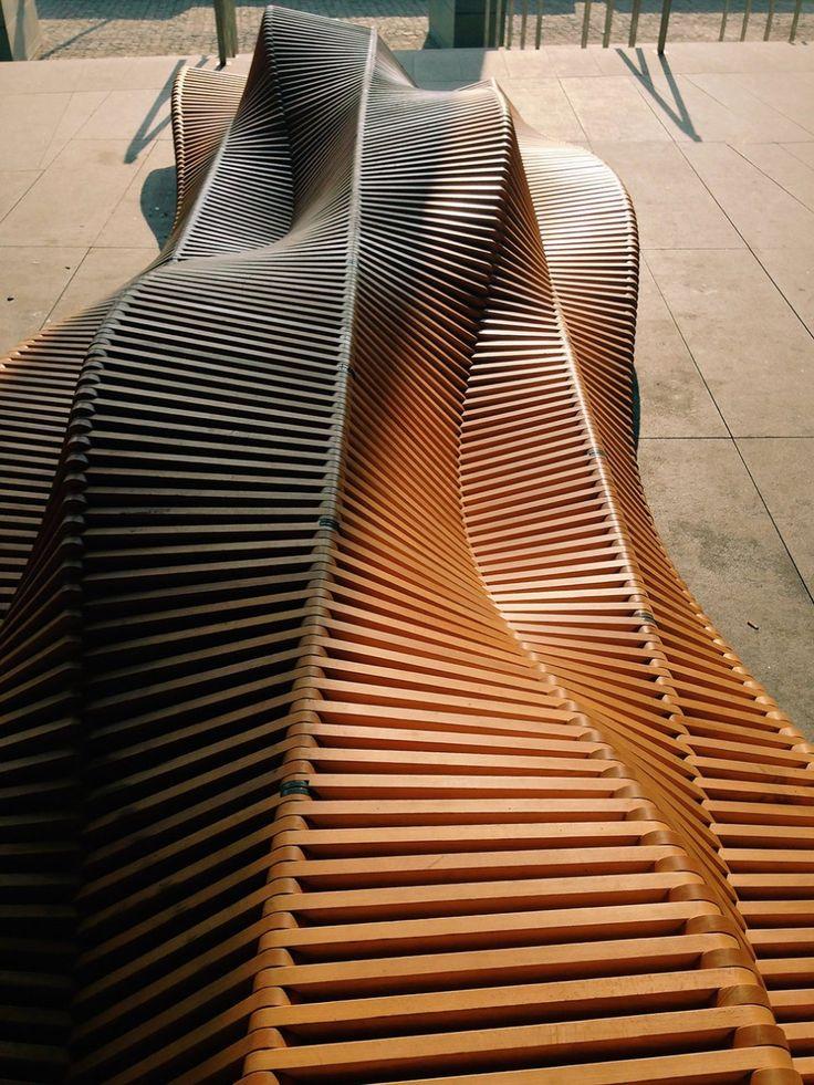 Ławka Uiliuili/ Uiliuli bench, by Piotr Żuraw/ Designerer