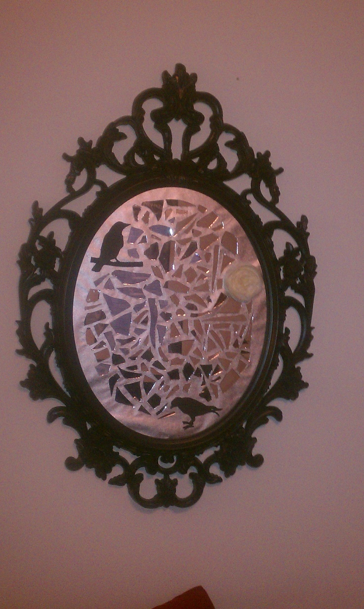 Best 20 broken mirror art ideas on pinterest broken for What to do with broken mirror pieces