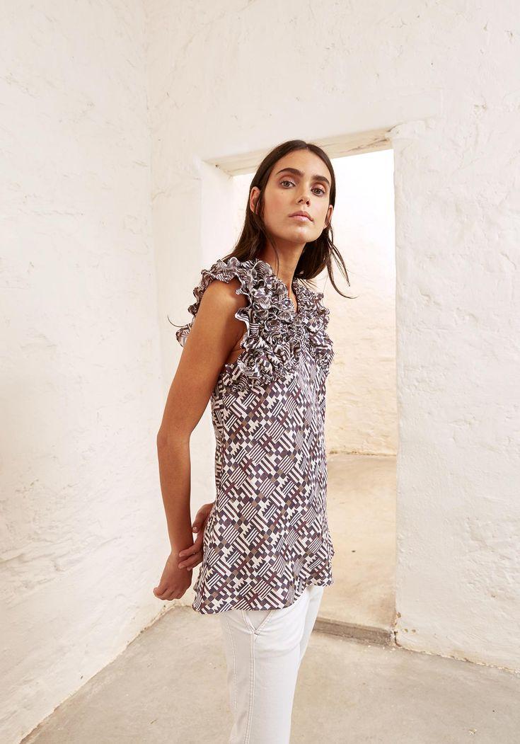 Sally Phillips - Adelaide Fashion Designer - S | S 1 7