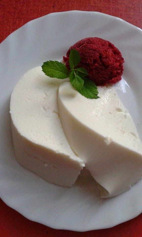 Joghurt mousse meggy sorbet-tel