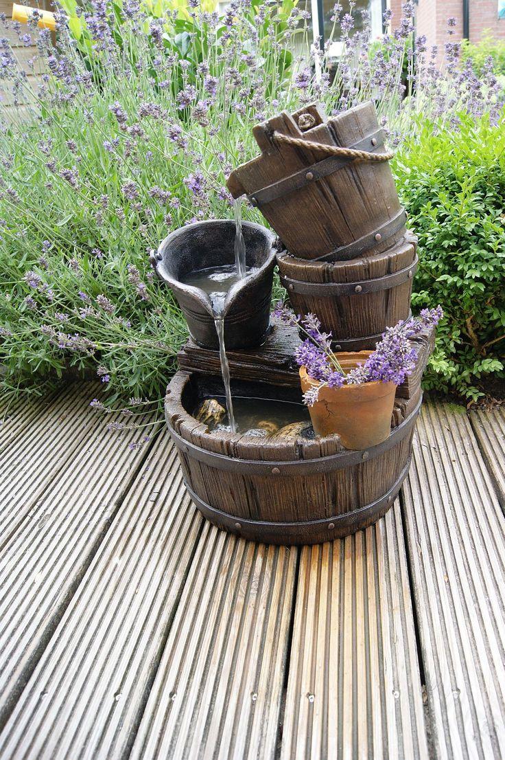 Les 25 meilleures id es de la cat gorie fontaines de for Petit jardin sympa
