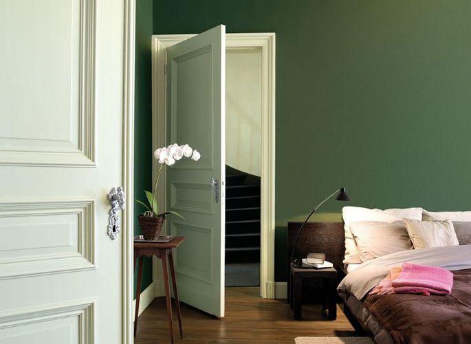 Olijf groen wordt het in onze gepimpte slaapkamer!  Ben benieuwd naar het resultaat.