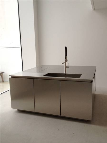 undermount sink with professional kitchen tap