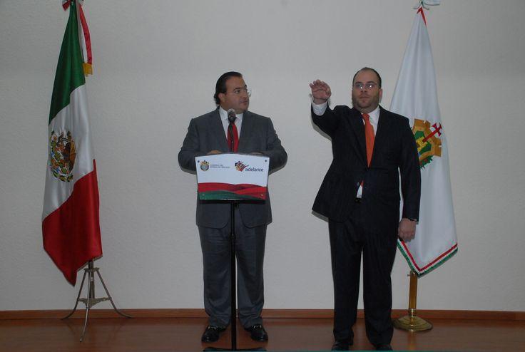 El Gobernador de Veracruz, Javier Duarte de Ochoa, tomó protesta a Jorge Fernando Ramírez como nuevo Subsecretario de Ingresos de la Secretaria de Finanzas y Planeación (Sefiplan).