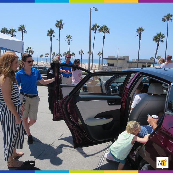 With water vapor being the only byproduct of this fuel cell vehicle, it only makes sense to have our event at one of the most beautiful beach front malls, Pacific City. Guests were able to take in the view of the Honda Clarity and gain some valuable insights on this environmentally friendly vehicle.