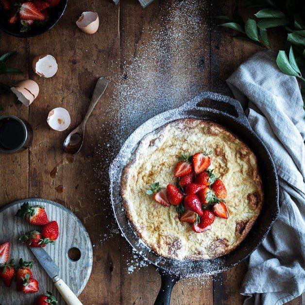#Dutch Baby  Balsamic Maple #Berries & Whipped Chevre Cream (GF) Un panqueque clásico con fresas con una mezcla de vinagre balsámico y jarabe de arce / Con una cucharada de crema espesa rica batida que se mezcla con el queso de cabra. Fresas balsámico y queso de cabra. Esta torta es la excusa perfecta para esta combinación perfecta! http://ift.tt/2m7cUyx      #dutch #holland #netherlands #nederland