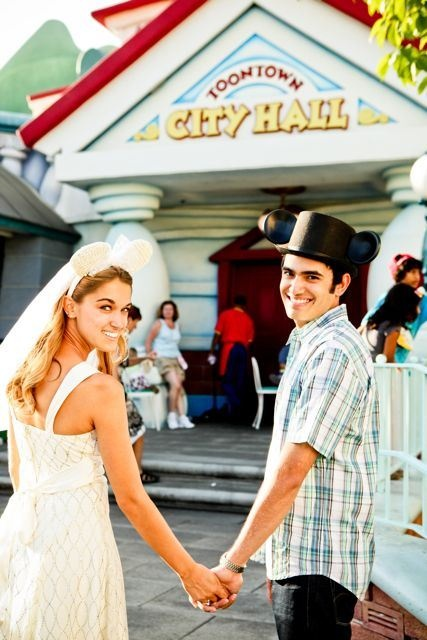 very cute Disney Engagement picture ideas