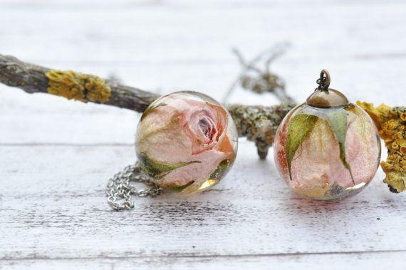 Echt licht roze Rosebud hars bol hanger ketting - ingedrukt bloem hars sieraden - Rosebud hars Ball - echte Rose ketting
