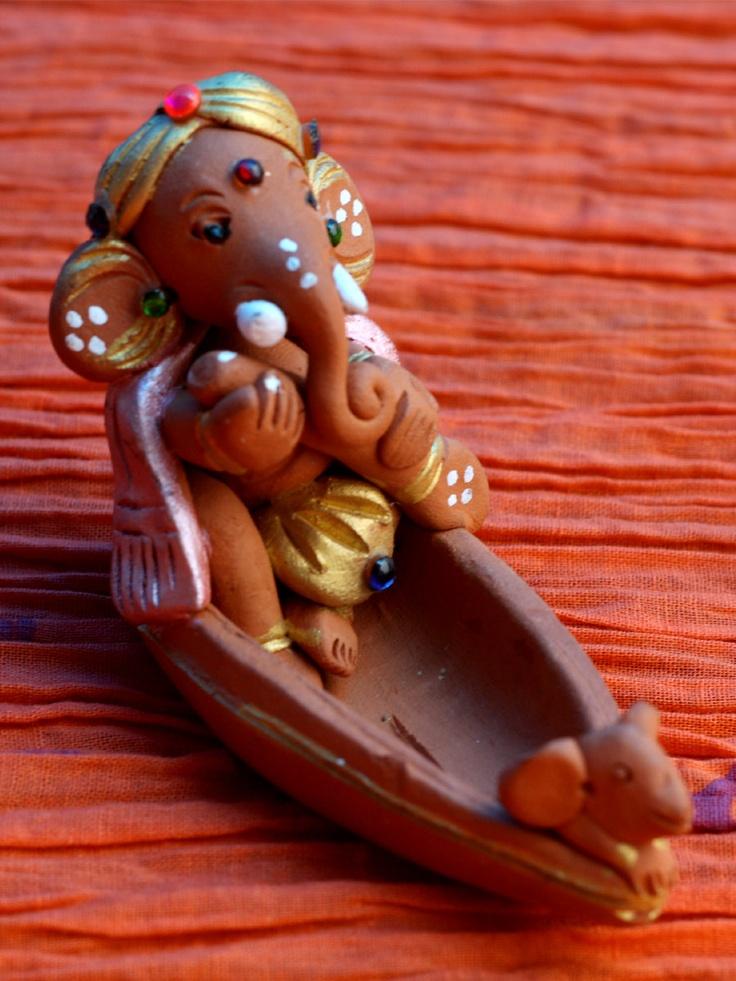 Terracotta Ganpati in Shikara • The Color Caravan