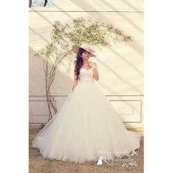 ウェディングドレスショップ シンデレラ:ビックシルエットのバレリーナドレス♪チュールがエアリー!SS5591