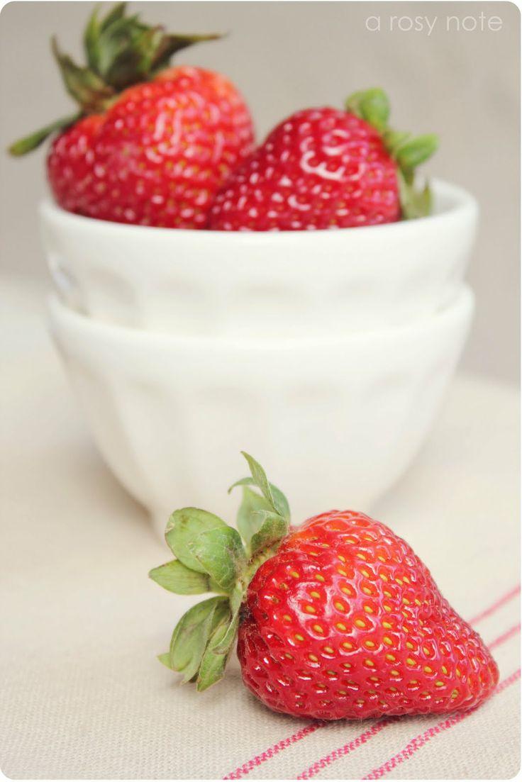 ¡Sonrisa radiante! Las fresas se constituyen en un 85% de agua, lo que las hace perfectas para la dieta, además son ricas en ácido málico, un blanqueador natural para tus dientes.