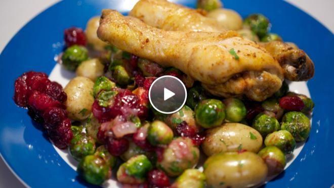 Gebakken spruitjes met cranberries en kippenpootjes - De Makkelijke Maaltijd | 24Kitchen