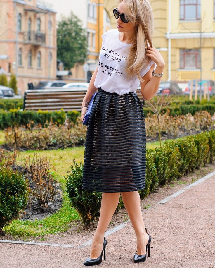 Пятница  это же почти выходные  Юбка-сетка #monavidesign будет уместна и в офисе и в кафе и на прогулке  выполнена из оригинальной сетки #maje .... Мы за #quality ! #юбка #black #style #fashiondesign #fashionstyle #fashion #street #streetfashion #streetstyle #limitededition #summer #time #handmade #madeinukraine #ukrainiandesigner #ukrainianbrand #beautiful #nice #like #lady #look #for #girl #frends by monavi_design