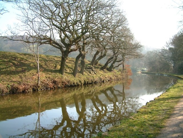 Leeds Liverpool Canal - Near Keighley Golf Club (Holden Silsden)