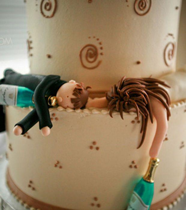 Top 15 des gâteaux de mariage les plus drôles : Ces figurines de pièce montée ont visiblement trop fait la fête