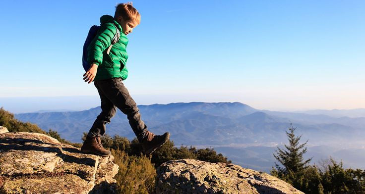 Top 10 Best Hiking Boots for Kids in 2017 - Reviews - https://www.thelakeandstars.com/best-hiking-boots-for-kids/
