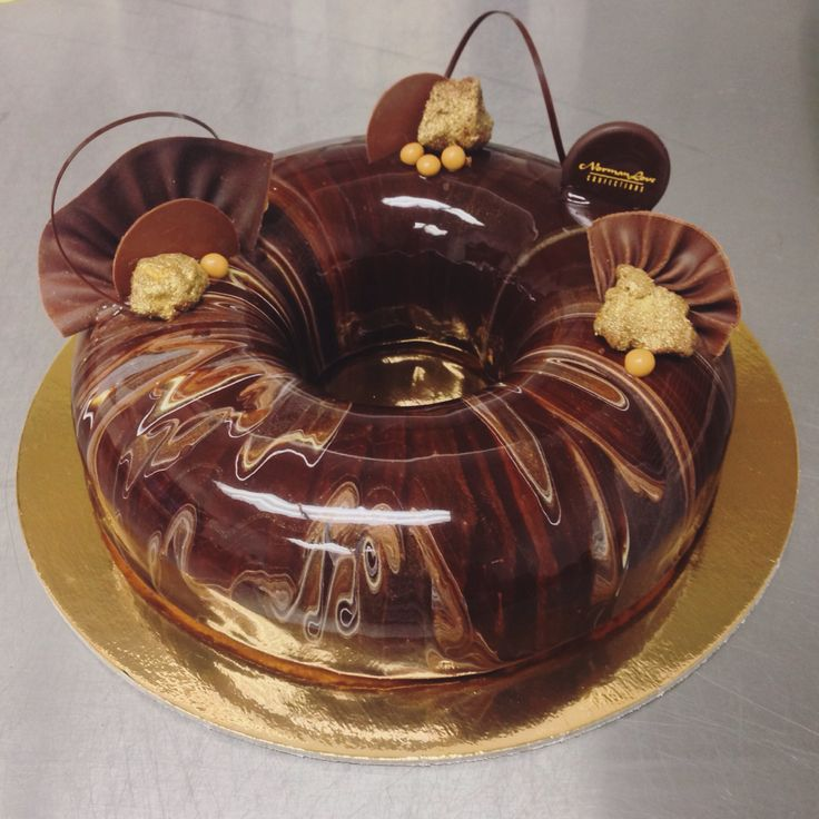 Marbled #mirrorglaze #chocolate ring #entremet