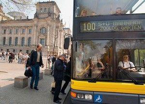 Bus 100 bij de Reichstag