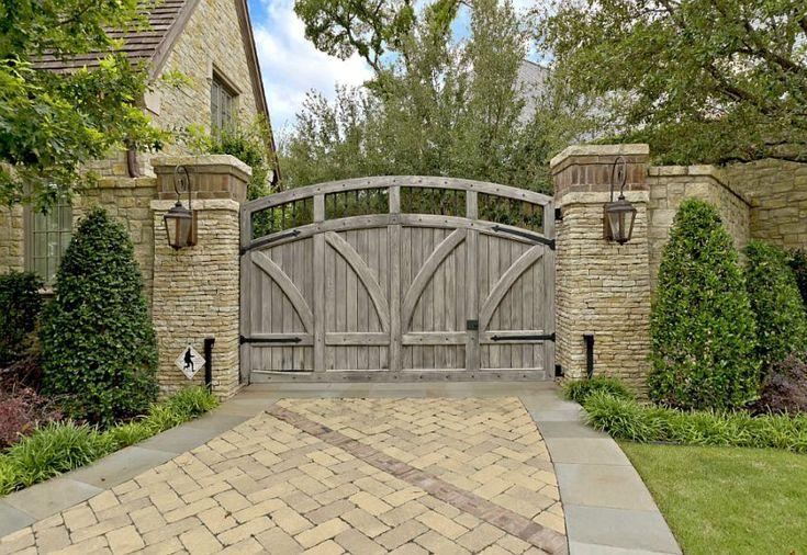 idei pentru spatiul de la poarta gate landscaping ideas 9