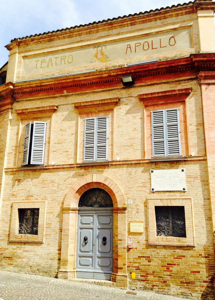 """Teatro Apollo Mogliano (MC) - un teatro al contrario! - inaugurato nel 1844 e, a causa di una sopravvenuta demolizione di case prospicienti, si trova ad affacciarsi sulla nuova piazza. La  facciata è realizzata nel 1871 e si trova nel lato """"palcoscenico"""""""