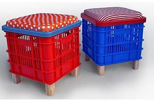 Reciclagem Basket stools that can hold items too! Love it!