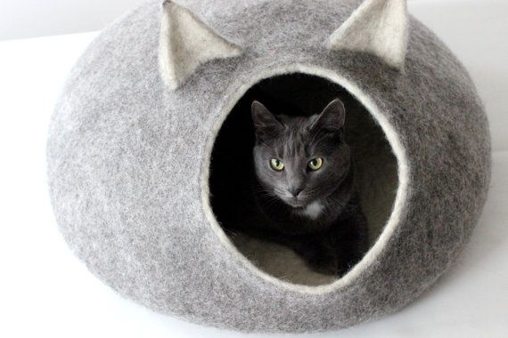 Pet gift - pet bed - Cat bed - cat cave - cat house - eco-friendly handmade…