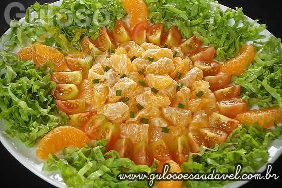 Receita de Salada de Tangerina com Molho de Gorgonzola