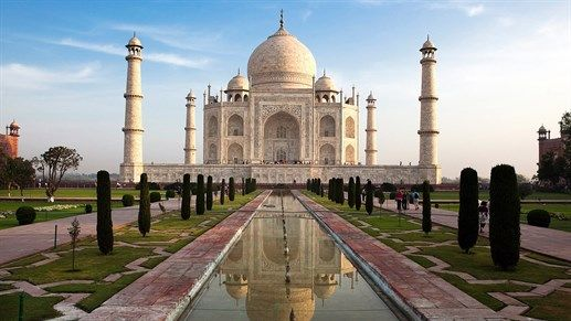 Witness the breathtaking beauty of Taj Mahal in India #kilroy #travel #asia #india #backpacking