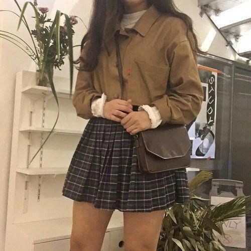 Korean fashion. Style skirt outfits like you would be comfortable wearing it skirt lenght wise. #KoreanFashion #fallkoreanfashion #koreanfashiontrends