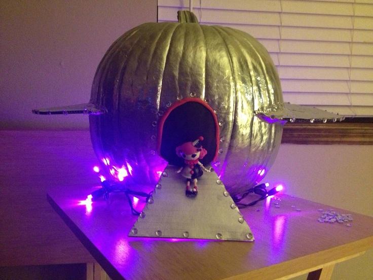 Alien Spaceship Pumpkin Fall Pinterest Spaceships