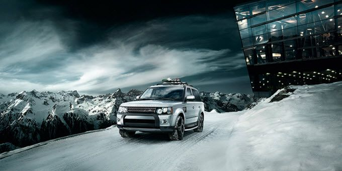 Range Rover Sport 2011 Cruises through the Snow