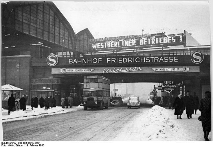 Winter 1956 am Bahnhof Friedrichstrasse