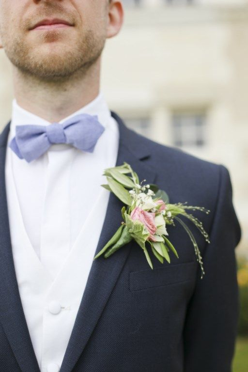 Amandine Ropars photographe // www.amandineropars.com #wedding #groom #inspiration #blue #bow