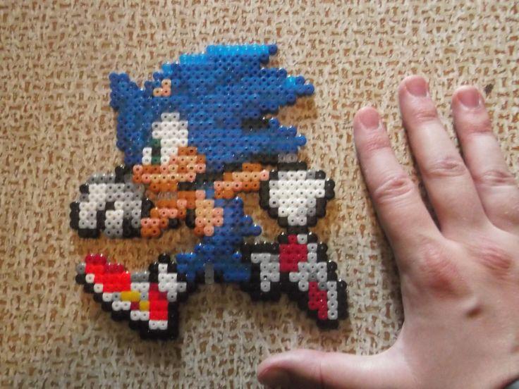 Sonic hama beads by CrazyHamaGuyBeads