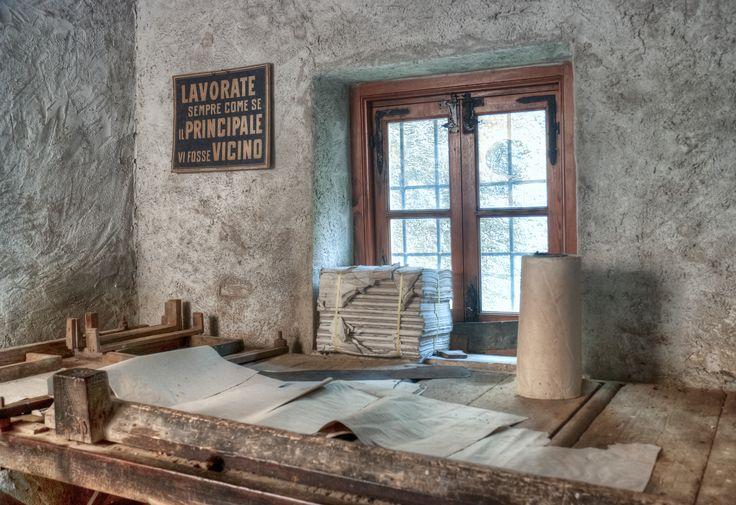 banco da taglio della carta - Museo Carta Mele