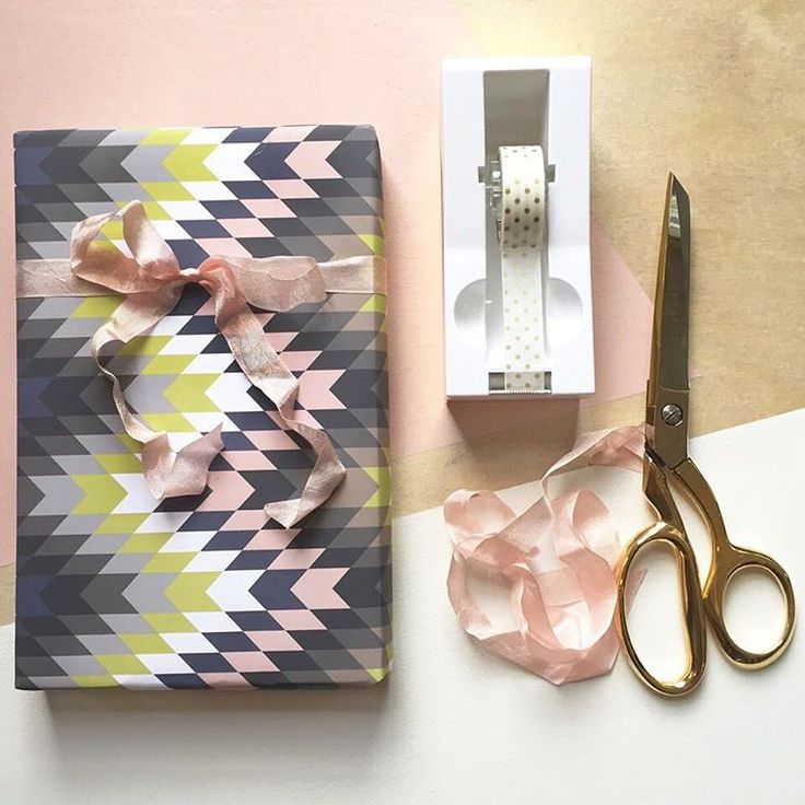 I didn't win the powerball last night, so I guess I have to continue being a #bosslady for now. #revelandco #revelwrap #tribal #rosequartz #zigzag