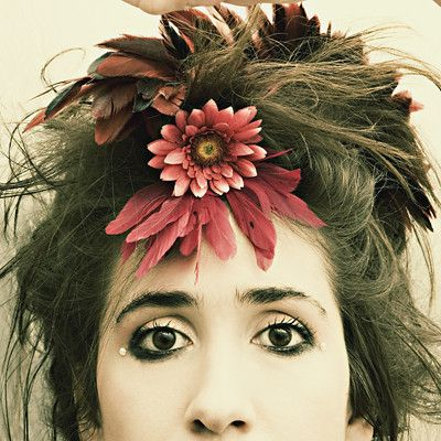Imogen Heap: Kind of love the wildness of this picture. Wanna do this for Halloween.