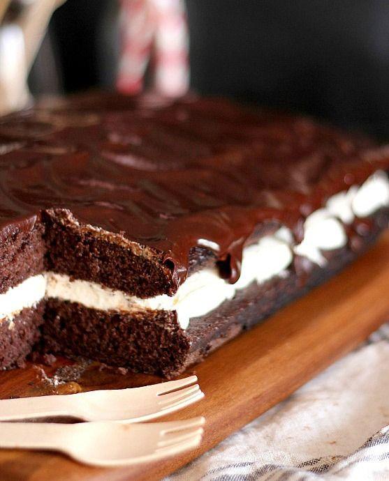 Τζίζκέικ με γέμιση άσπρη κρέμα και επικάλυψη σοκολάτας ,Θεικό!! ~ ΜΑΓΕΙΡΙΚΗ ΚΑΙ ΣΥΝΤΑΓΕΣ