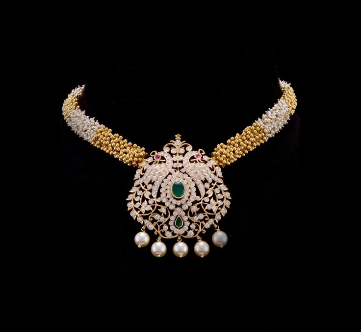 Closed setting diamond locket in Tussi Chain. South Indian Diamond Jewelry.