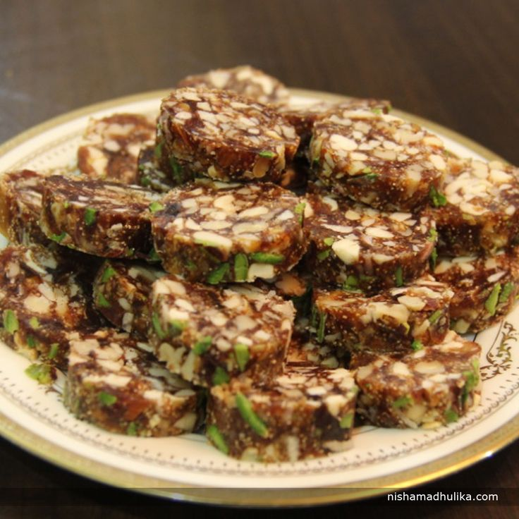 Khajur dry fruits barfi is so tempting and delectable that everyone will keep craving for more and more. Recipe in English- http://indiangoodfood.com/1799-khajur-and-dry-fruit-barfi.html (copy and paste link into browser) Recipe in Hindi- http://nishamadhulika.com/927-khajur-and-dry-fruit-barfi-recipe.html (copy and paste link into browser)