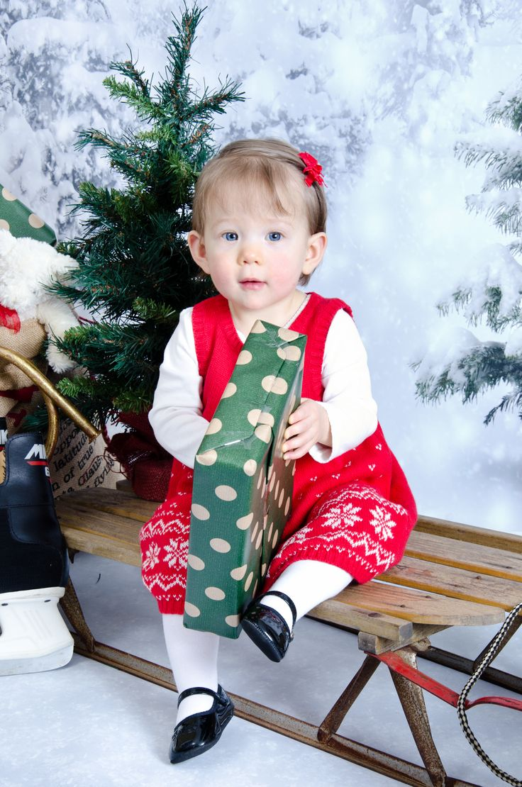 Christmas Portrait, Baby's First Christmas
