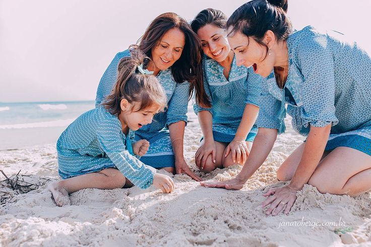 Ontem no meu primeiro ensaio do ano eu tive o privilégio de fotografar uma família muito especial transbordando amor! Agradeço à Deus por colocar sempre no meu caminho pessoas assim!!!  #trabalhoqueeuamo #trabalhandocomamor #ensaiofamilia #familia #lifestyle #florianopolis #paisefilhos #ensaiopraia #maeefilhas #maefilhaseneta #praia #love #amor #kids #crianca #verao #ensaioverao #fotografaflorianopolis #fotografadefamilia