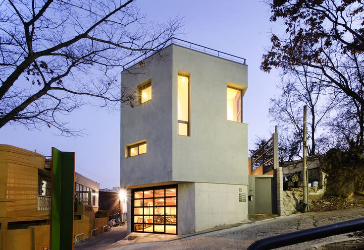 Completed in 2016 in Hongeun-dong, South Korea. Images by Haewook Jeong. Hongeun-dong building owner couple are people who know their lifestyle exactly and enjoy living their lives. In addition, they knew how to ask this...