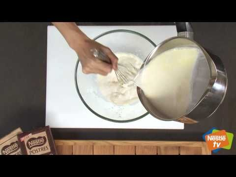 Panacotta de chocolate blanco y nectarinas - Postres Nestlé - YouTube
