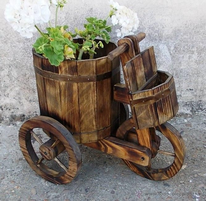 17 mejores ideas sobre carretilla de jard n en pinterest for Adornos de madera para jardin