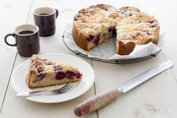 Recept: Kersen-kruimelcake / Recipe: Cherry crumb cake